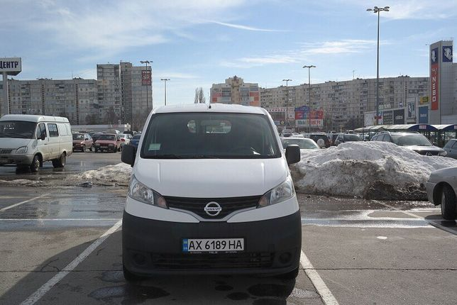 Продам Nissan nv200