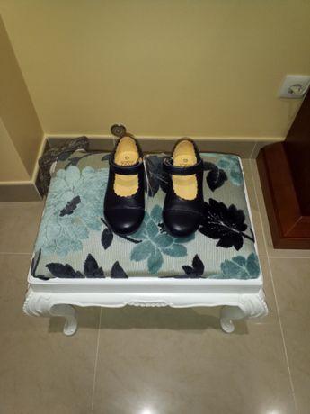 Sapatos de menina NOVOS