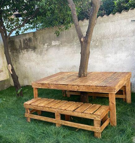 Mesa com banco para o jardim