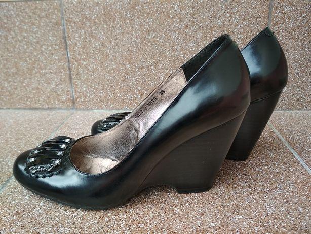 Туфли женские Gotti (на танкетке)