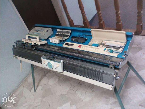 máquina de tricotar BROTHER KH-588