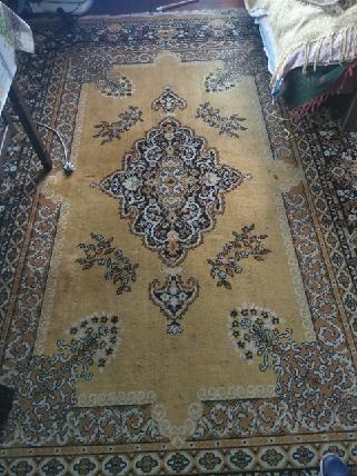 Trzy dywany z czasów PRL