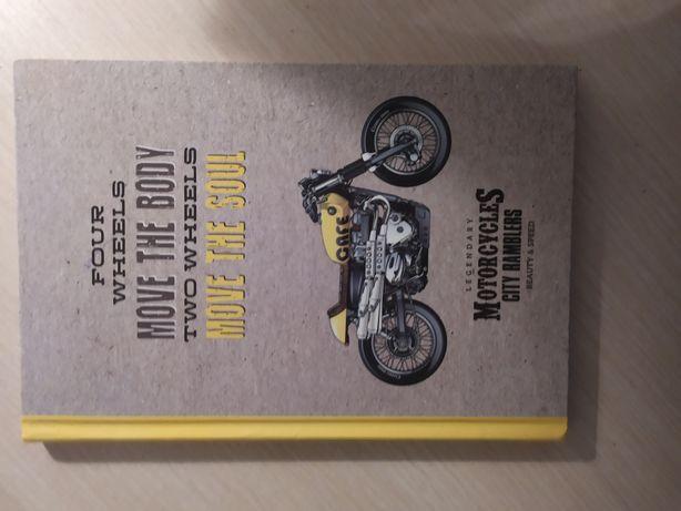 Блокнот новый, с мотоциклом жолтый