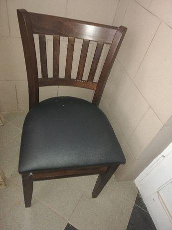 krzesło z oparciem i z miękkim siedziskiem