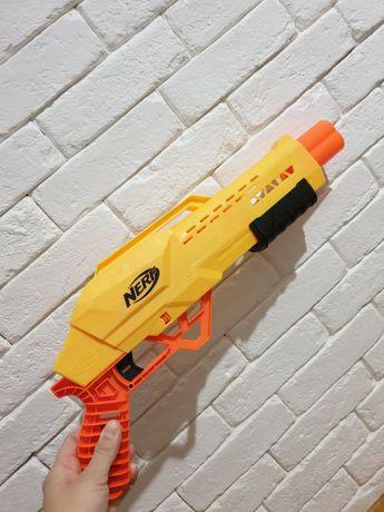 Pistolet nerf w komplecie ze strzałkami