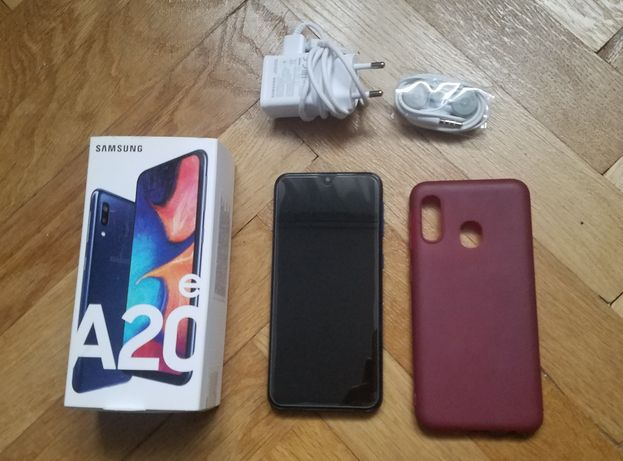 Samsung Galaxy A20e niebieski