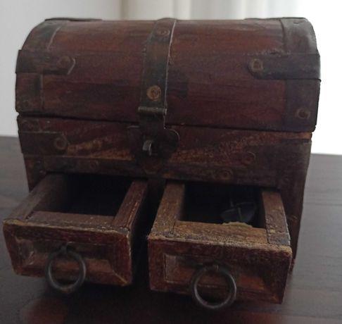 Mini Baú-Guarda jóias-Caixa, em madeira maciça e  ferro