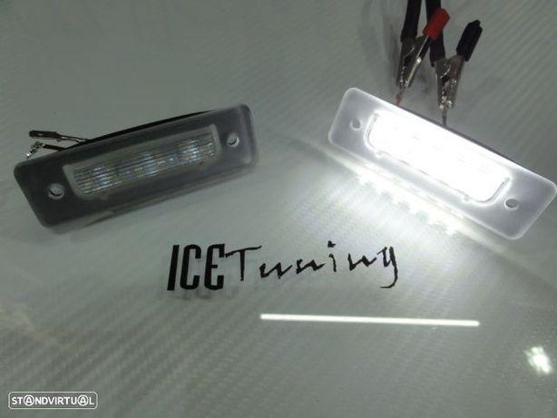 Suporte de lâmpada de matricula com led branco para BMW E30/E12/E28/E24/E23/E26/Z1