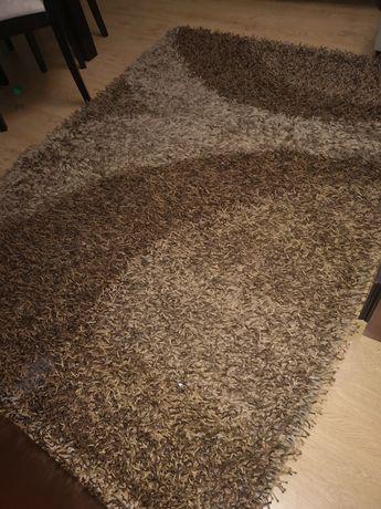 Carpetes de sala de estar e jantar