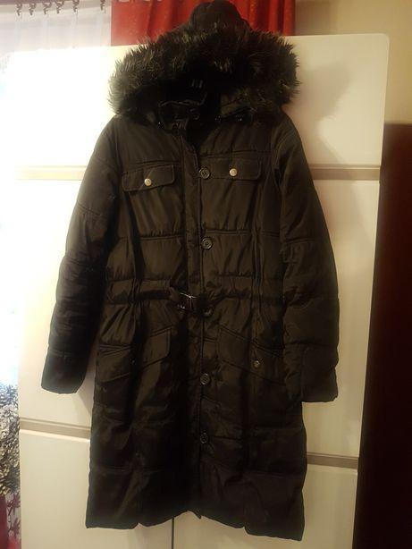 Czarny ocieplany, puchowy płaszcz Reserved z futerkiem S, 36