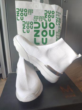 Высокие белые кроссовки р-р 39 на подростка