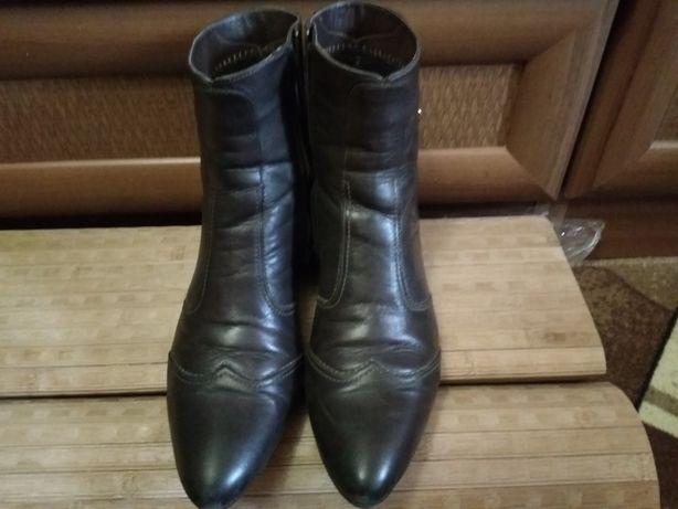 Продам ботинки коричневые 38 размера