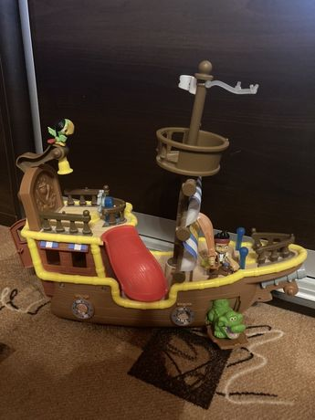 Jake i piraci z Nibylandii Statek Jake a i Kryjówka