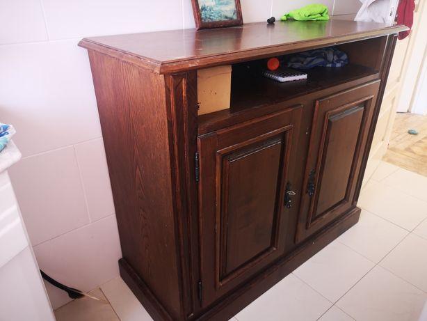 Móvel madeira escura