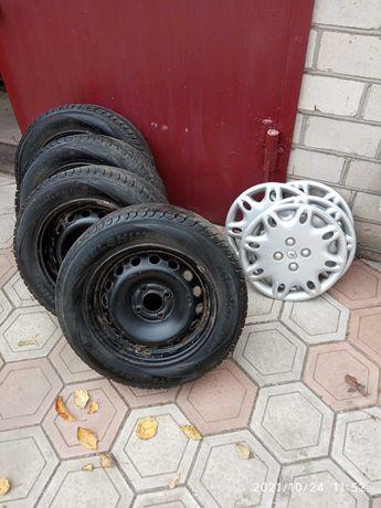 Зимние шины + диски R14 175/65 Белшина, оригин. диски + колпаки Рено.