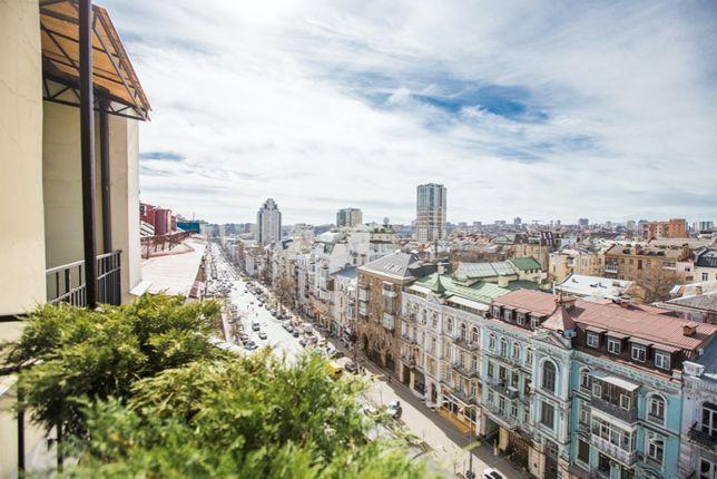 Продажа 4-х комнатной квартиры в центре на Большой Васильковской