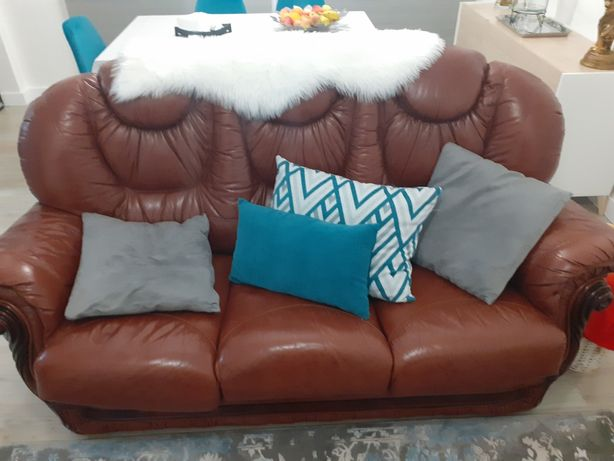 Conjunto sofas em pele