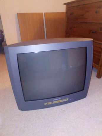 Telewizor Grundig ekran po przekątnej 67 cm sprawny
