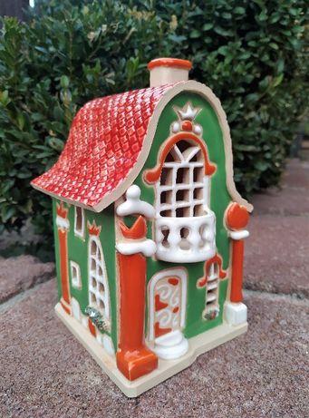 Керамічний будиночок - підсвічник. Використовується як аромалампа