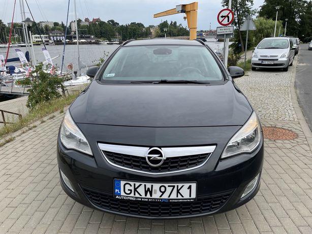 Opel Astra J 2012 2.0CDTI 165KM Automat