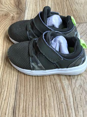 Классные детские кроссовки Next