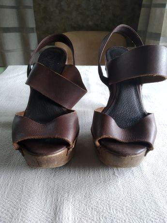 Туфли босоножки кросовки .Berska. Оригинал