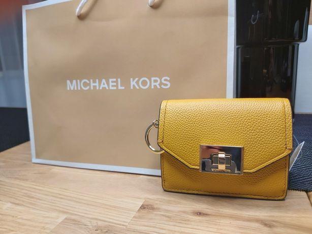 Nowy Musztardowy portfel Michael Kors model cassie