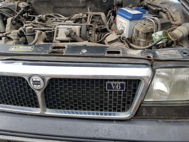 Lancia  Thema samochód osobowy