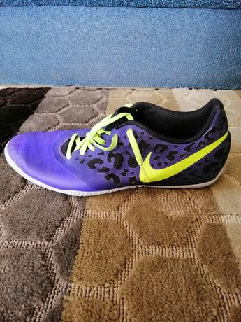 Футзалки Nike 27см,