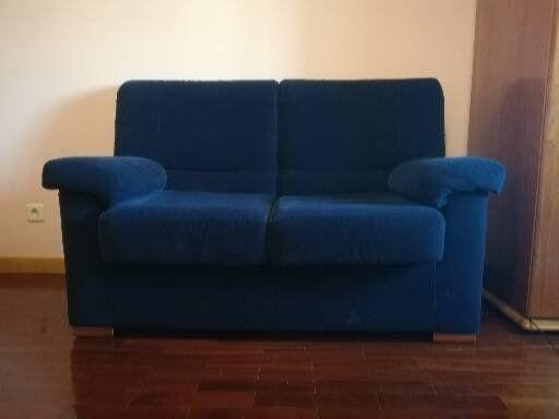 Sofá de sala azul