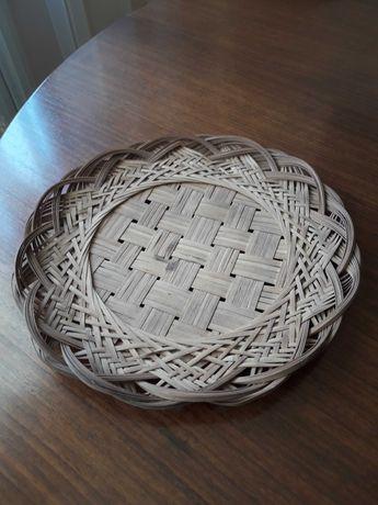 Декоративная плетеная тарелка