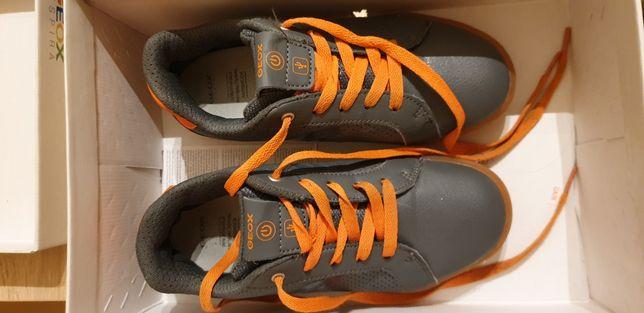 Vendo sapatilhas de criança marca Geox número 34