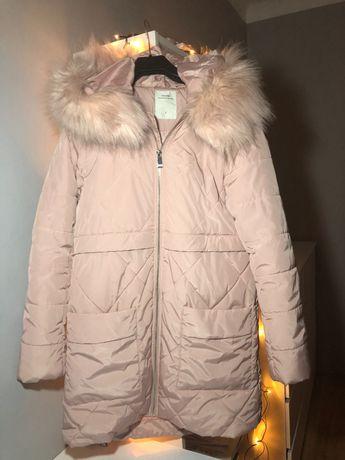 Zimowa kurtka damska pikowana z kapturem w kolorze pudrowego różu