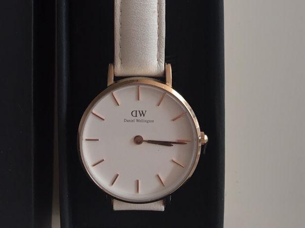 Daniel Wellington zegarek biały + czarny pasek