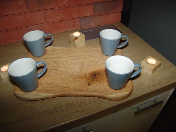 Deska ozdobna na sery z miejscem na cztery kubki