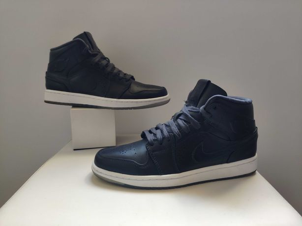 Jordan 1 mid Nouveau Black Ice