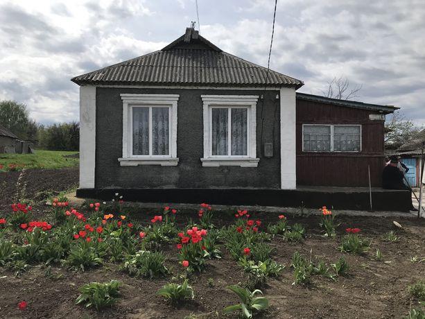 Продам дом в смт Вільшанка,Кіровоградської обл.всі питання по телефону