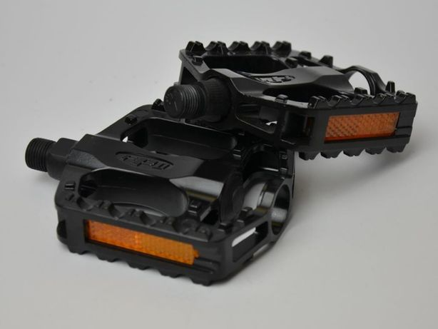 Pedały platformowe aluminiowe czarne z odblaskami