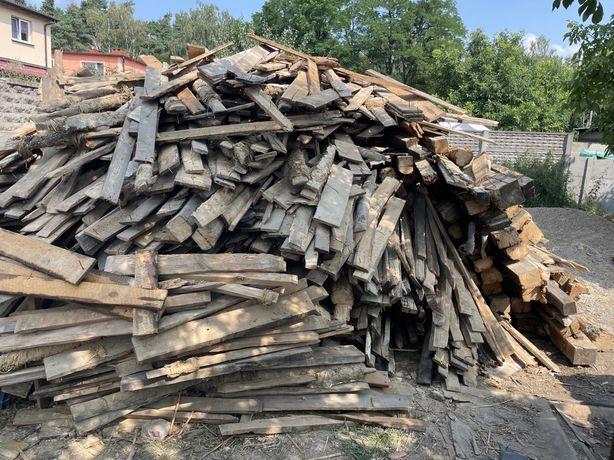 Drewno po rozbiórce dachu