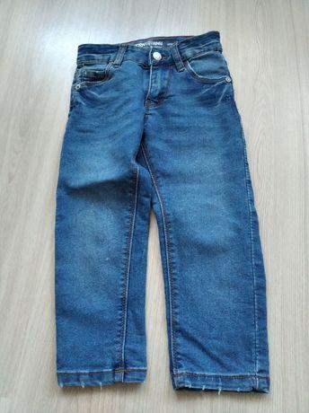 Dwie pary jeansów 98.