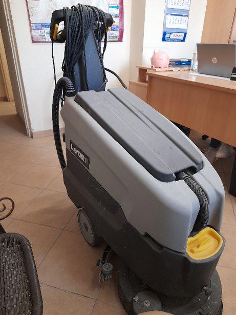 Automat myjący szorowarka LAVOR E 45