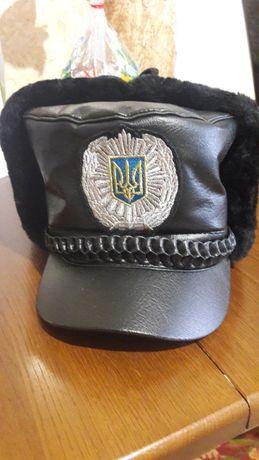 Шапка, рубашка, брюки и курка МВС Украины