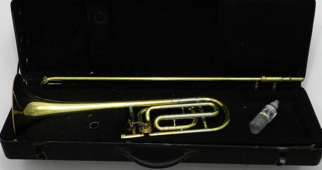 Puzon Bb/F Ever Play CL580 z kwartwentylem + Futerał DR20-226P