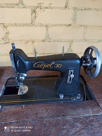 Ножная швейная машинка чепель