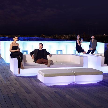 Mobiliario com luz para eventos
