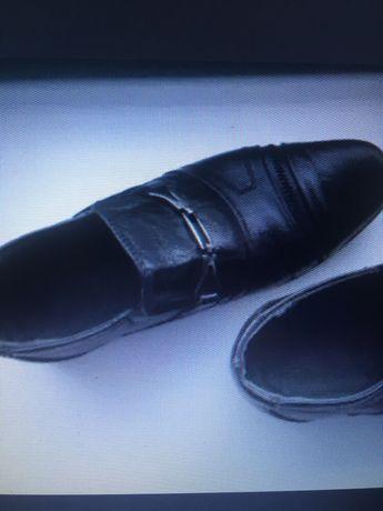 Туфли кожаные на мальчика 28р