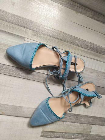 niebieskie pantofelki, odkryta pięta r. 40