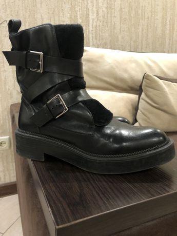 Ботинки zara.