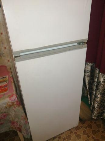Срочно продам холодильник и газовую плиту