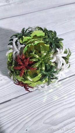 Новогодние шары с цветочком